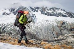 Trekking della montagna Immagine Stock