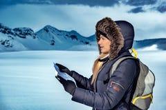 Trekking di inverno in Islanda immagini stock libere da diritti