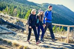 Trekking en montagnes photos libres de droits