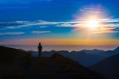 Trekking en silhouette Image libre de droits