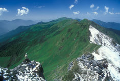 Trekking in het Himalayagebergte Stock Afbeeldingen