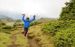 Trekking i berg Royaltyfria Foton