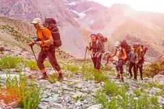 Trekking i Himalaya Arkivbild