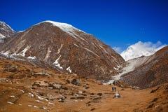 Trekking im Himalaja Stockfotos