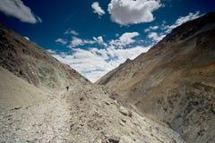 Trekking in India Leh, de reis van de Vallei Marhka stock afbeeldingen