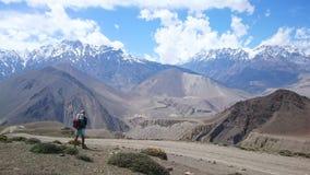 Trekking landskap för berg royaltyfri bild