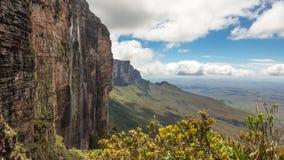 Trekking montering Roraima Tepui Fotografering för Bildbyråer