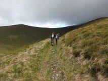 Trekking nas montanhas Imagem de Stock Royalty Free