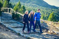 Trekking nas montanhas Foto de Stock Royalty Free
