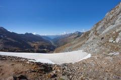 Trekking nelle alpi italiane; autunno del ` s senza la gente intorno Fotografia Stock Libera da Diritti