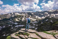 Trekking nelle montagne Fotografia Stock