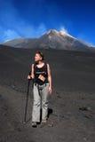 Trekking på den Etna vulkan (Sicily) Arkivfoto