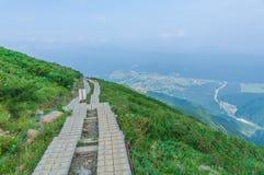 Trekking på Hakuba, Nakano, Japan Royaltyfri Fotografi