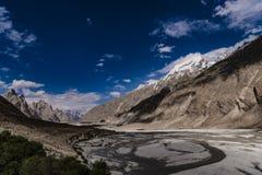 Trekking Pakistans Karakoram K2 lizenzfreies stockbild