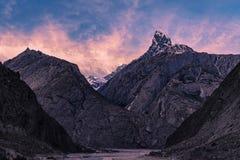 Trekking Pakistans Karakoram K2 stockfoto