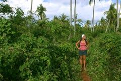Trekking par la jungle 2 Photographie stock libre de droits