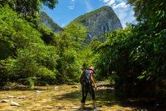 Trekking par le jardin d'Éden Images stock