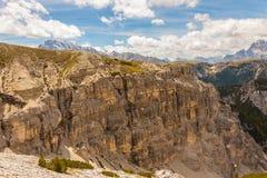 Trekking rond de Drie Pieken, Italiaanse Alpen Stock Afbeeldingen