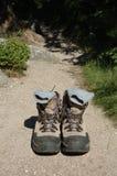 Trekking skor på slinga Arkivbild