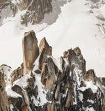 Trekking und Erholung in den Alpenbergen Stockfoto