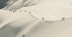 Trekking und Erholung in den Alpenbergen Lizenzfreies Stockfoto