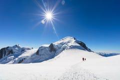 Trekking wierzchołek Mont Blanc góra w Francuskich Alps obraz stock