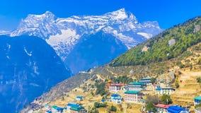 Trekking zu niedrigem Lager Everest in Nepal lizenzfreies stockbild