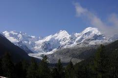 Trekking zum Morteratsch-Gletscher in den Schweizer Alpen lizenzfreie stockfotografie