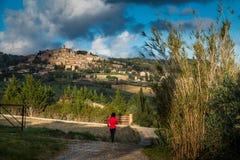 Trekkingsroute naar in Casale M mo, Toscanië royalty-vrije stock afbeeldingen