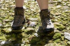 trekkingsschoenen - wandelingslaarzen stock foto's