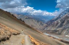 Trekkingsweg in den Himalajabergen Stockbild