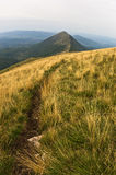 Trekkingsweg von Trem-Spitze zu Falkekante an Berg Suvas Planina Lizenzfreies Stockbild