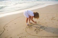 Trekt op zand Royalty-vrije Stock Afbeelding