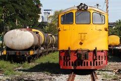 Trem amarelo do motor diesel Fotos de Stock