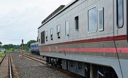Trem com curso Fotos de Stock