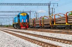 Trem com equipamento especial da trilha em reparos fotografia de stock royalty free