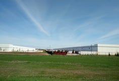 Trem da carga na terra fotografia de stock