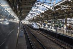 Trem da velocidade de Shinkansen Imagens de Stock