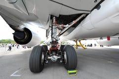 Trem de aterrissagem principal de Airbus A350-900 XWB em Singapura Airshow Imagem de Stock