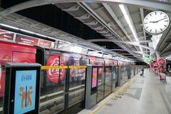 Trem de céu em Banguecoque Tailândia fotos de stock