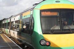 Trem de chegada Fotografia de Stock Royalty Free