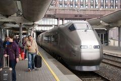 Trem de FlyToget na estação de comboio de Oslo Foto de Stock