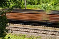 Trem de frete de alta velocidade. Fotos de Stock