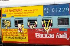 Trem de Garlanded, India Foto de Stock Royalty Free