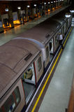 Trem de Londres subterrâneo foto de stock
