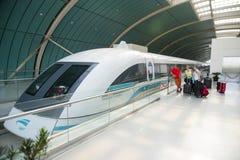 Trem de Maglev ou Shanghai Transrapid foto de stock
