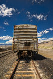 Trem de mercadorias oxidado. Imagem de Stock