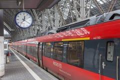 Trem de REGIO no cano principal de Francoforte Fotos de Stock Royalty Free