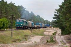 Trem do diesel do frete fotografia de stock royalty free