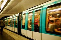 Trem do metro de Paris Fotografia de Stock Royalty Free
